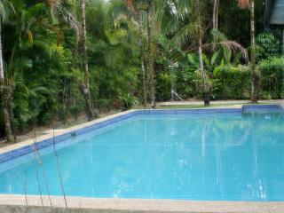 4 bedroom exclusive Villa in Pacific Harbour, Fiji. Can also be rented as 2 and 3 bedroom depending on requirements - Pacific Harbour vacation rentals