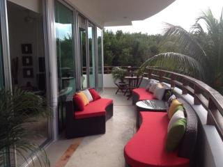 Perfect one 30 meters form ocean and near 5th AV!! - Playa del Carmen vacation rentals