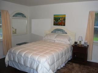 The Alley House - A Ithaca Hotel Alternative - Brooktondale vacation rentals