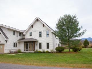 Casa Riverwalk Stowe Townhouse with Mountain Views - Stowe vacation rentals
