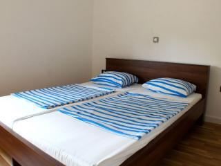 Place for 4 people near the sea - Novalja vacation rentals