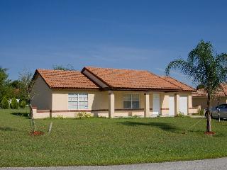 Cozy 2bedroom/2bath in SE Ocala close to Natl Park - Eastlake Weir vacation rentals