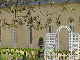 BAYEUX : LUXE CHIC ET CHARME (gite baroque) - Bayeux vacation rentals