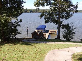 Newly Listed Lake House in Greensboro, Georgia - Eatonton vacation rentals