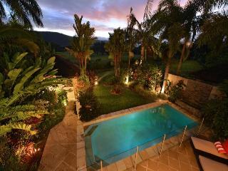 Sanctuary at Thornton's - Stunning Vista's - Port Douglas vacation rentals
