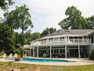 Lightning Bug Haven on Lake Hartwell with Saltwater Pool! - Seneca vacation rentals