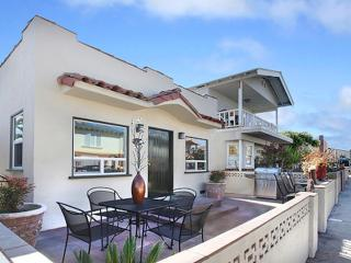 Balboa Pearl - 8 Houses From The Sand!! - Newport Beach vacation rentals