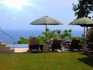 Luxurious Gardenview Rooms in Villa with Sea-View - Senggigi vacation rentals