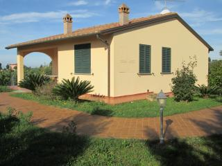 comfortable appartment in the country near the sea - Cecina vacation rentals