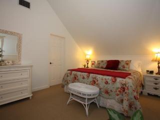 Austin Street Creekside Suites - A - Fredericksburg vacation rentals