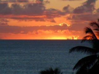 Modern beach front W.Molokai,Beautiful Sunsets! - Maunaloa vacation rentals