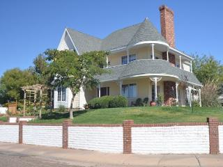 Southwest Victorian in the Desert - Page vacation rentals