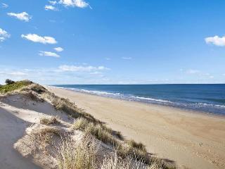 Honeysuckle House 90 mile beach beaubayhouses - Seaspray vacation rentals