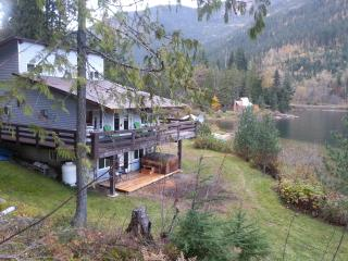 Revelstoke, BC - Top Hat Terrace Vacation Rental - Kootenay Rockies vacation rentals