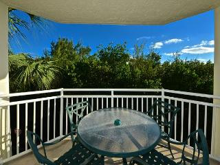 SAINT LUCIA SUITE #201 - 2/2 Condo w/ Pool & Hot Tub - Near Smathers Beach - Key West vacation rentals