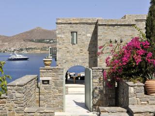 Villa Oniro on the beach, walking distance Naoussa - Paros vacation rentals