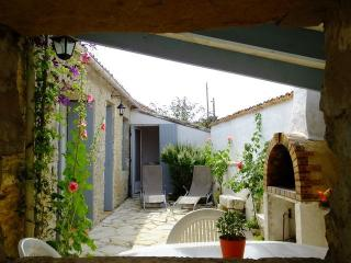 maison de Sauzelle - Saint-Georges d'Oleron vacation rentals