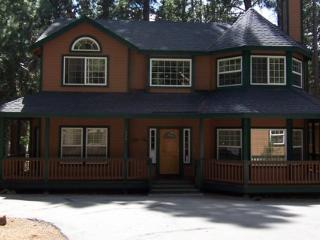 Country Club Home Backs to Recreation Area 1 & Beach - Chester vacation rentals