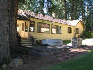 Country Club LAKEFRONT with Dock & Buoy - Shasta Cascade vacation rentals