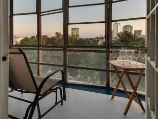 Modern Atlanta Buckhead High Rise Condo - Atlanta vacation rentals
