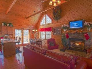 RED HOT N READY ,Pools,Game Room,Hot Tub,WIFI - Pigeon Forge vacation rentals