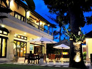 4 Bedroom - Villa Sayang  - Central Seminyak - Seminyak vacation rentals