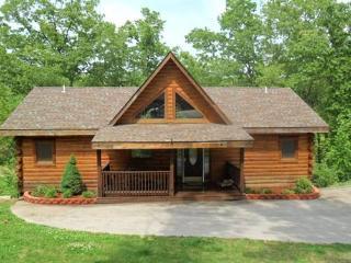 All Wood 4 bedroom Log Cabin, hot tub, fp, wifi - Ridgedale vacation rentals