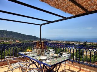Annamaria, Spacious loft with contemporary style - Piano di Sorrento vacation rentals