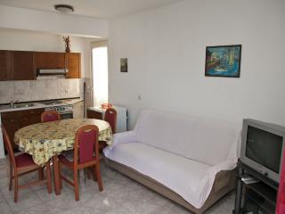 Mimi 5 - Apartment for 4 (2+2) with aircondition, Wi-fi, 30m away from the center and sea - Pag vacation rentals
