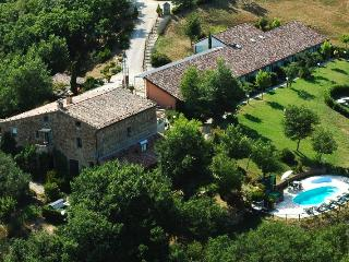 Junipers, old stone relais wih pool out Orvieto - Orvieto vacation rentals