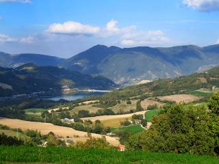Bed and Breakfast Villa Anna Resort - Pieve Torina vacation rentals