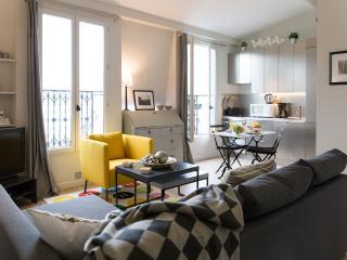 Eiffel View - Trendy Eiffel Tower 1 bedroom Apartment - Paris vacation rentals