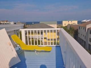 Turn of century beach house-5 houses from ocean - Tybee Island vacation rentals