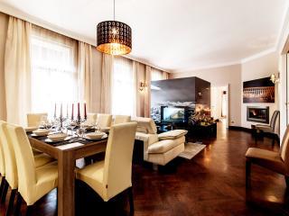 Four bedrooms apartment Jókai street - Budapest vacation rentals