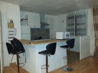 el Apparthotel T4 (3 Chambres)Aux Portes De Paris - Pantin vacation rentals