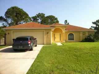 Huge Vacation Family Home!!  Beach. Shopping. - Lehigh Acres vacation rentals