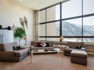 Sugarplum Townhouse 3 - Alta vacation rentals