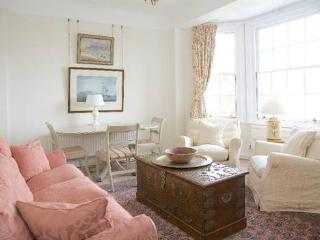 http://www.aplacelikehome.co.uk/l301-york-house-chelsea-bqxgagpxf.aspx - London vacation rentals