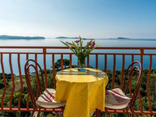 Guest House Fontana - One-Bedroom Apartment with Sea View (2-3 Adults) - Mlini vacation rentals