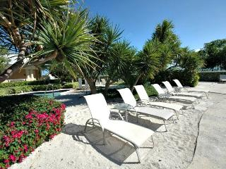 Got stress?...409 Mariners Club has the power to r - Key Largo vacation rentals