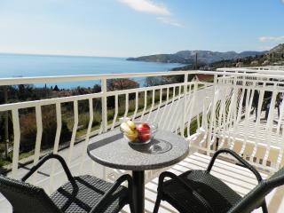 Villa Samba - One-Bedroom Apartment with Balcony and Sea View No3 (2+2) - Plat vacation rentals