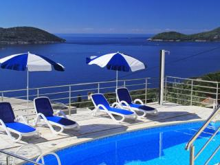 Apartments Ivan -Three Bedroom Apartment with Balcony and Sea View - Orasac vacation rentals