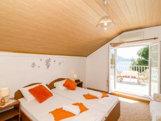 Guest House Daniela - Double Room with Balcony and Sea View-5 - Mlini vacation rentals