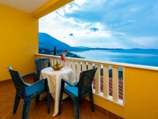 Apartments Sunset - Studio with Balcony and Sea View (3 Adults) No2 - Plat vacation rentals