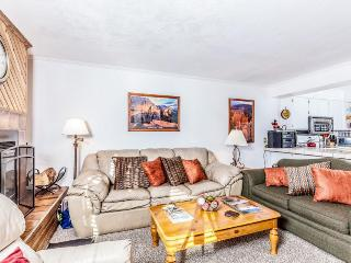 Cozy condo steps from the slopes w/ a private deck! - Brian Head vacation rentals