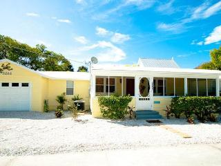 Gulfshore Cottage: 3BR Family-Friendly, Block from Beach - Anna Maria vacation rentals
