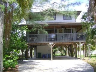 The Cats Paw- 206 Palmetto Ave, Anna Maria - Anna Maria vacation rentals