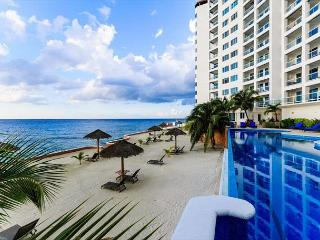 Spectacular Views. All BRs Oceanview Heated Pool , Gym, Sauna - Cozumel vacation rentals