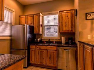 Condo | Jetted Tub | Fireplace | Pool | Hot Tub | Close to Silver Dollar City (3110601) - Branson vacation rentals