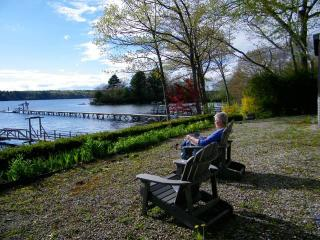 FAIRVIEW | BOOTHBAY MAINE | SALT WATER RIVER | DOCK & FLOAT | SLEEPS SIX - South Bristol vacation rentals